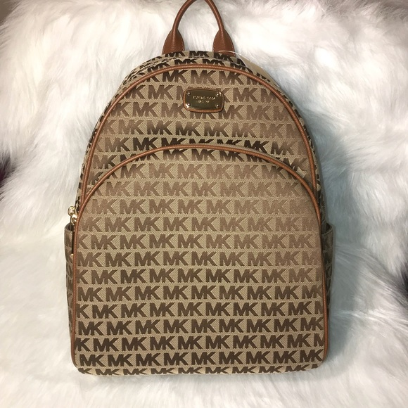 567c1864295a Michael Kors Bags | Last Chancenwt Abbey Large Backpack | Poshmark